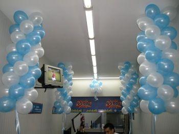 Torres colgantes decoraciones con globos - Decoracion con bombas para bautizo ...